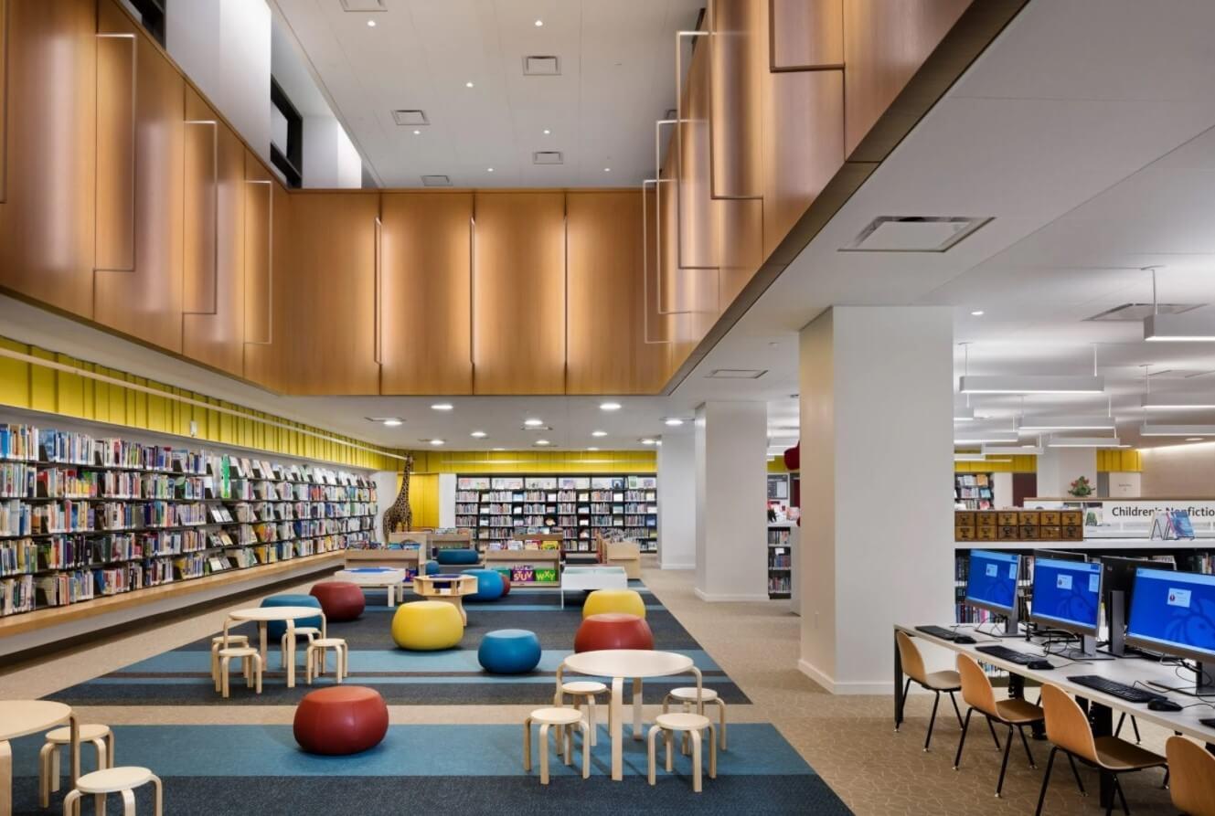 """""""کلاه جادوگر"""" آلومینیومی در راس کتابخانه نیویورک"""