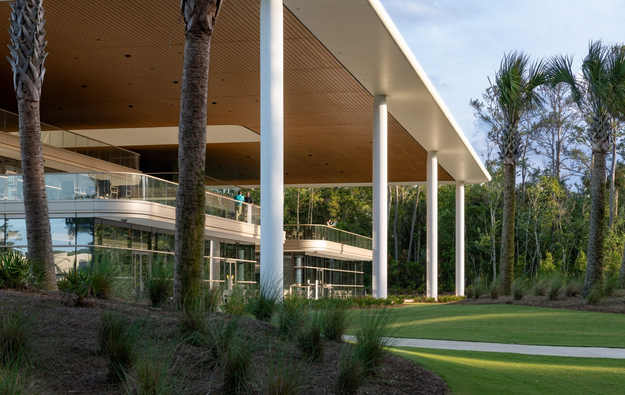 """Foster + Partners tops PGA Tour HQ with """"generous overhanging roof"""""""