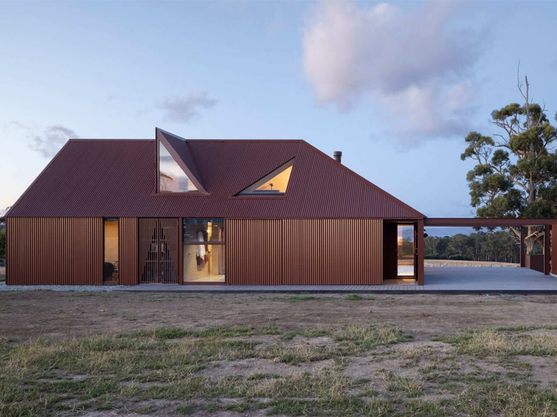 Coopworth residence is a modern take on a traditional Tasmanian farmhouse